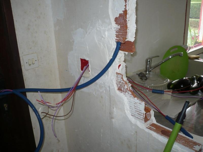 electricité, quand tout est bon à refaire - Page 2 P1050318