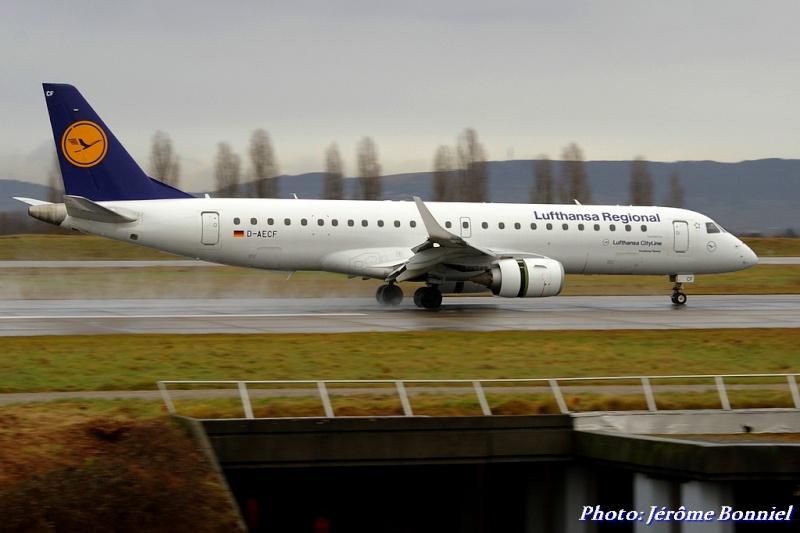 Aéroport de Bâle-Mulhouse le 20 décembre 2013 Imgp0418