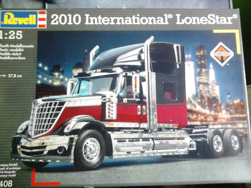 Revell International Lone Star 1:25 01_18