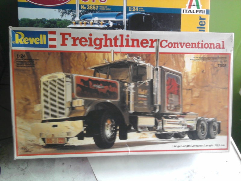 Revell Freightliner Conventional 1:24 Foto0723