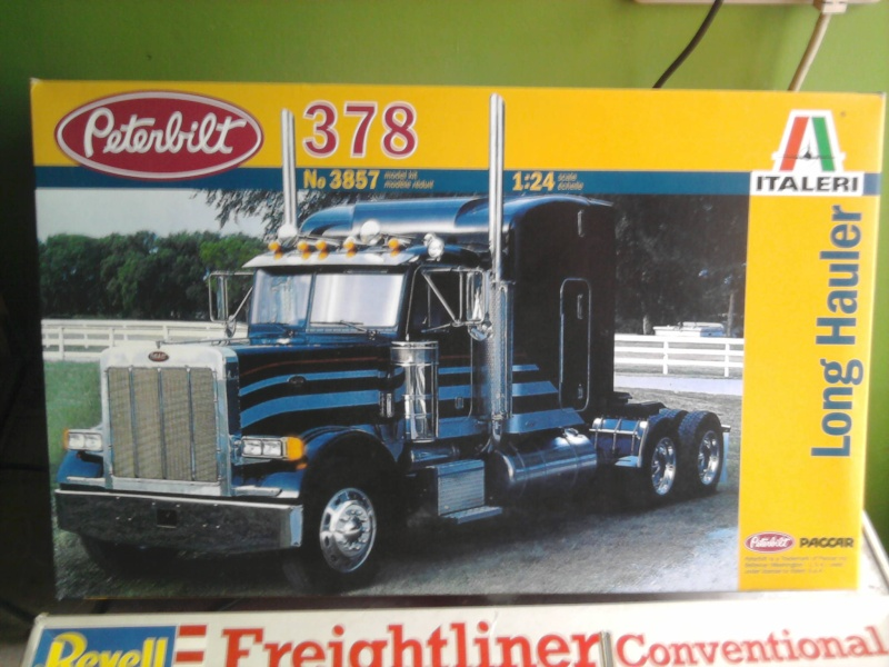 Revell Freightliner Conventional 1:24 Foto0724