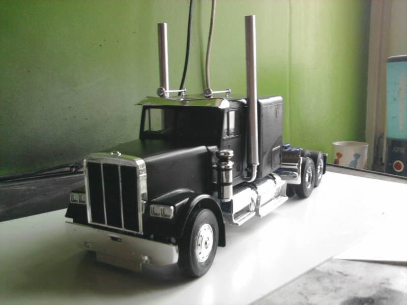 Revell Freightliner Conventional 1:24 Foto0744