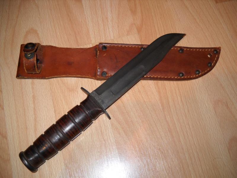 couteau USMC Comment diférencié un des année 1990 et un bon WW2. Dscn2524