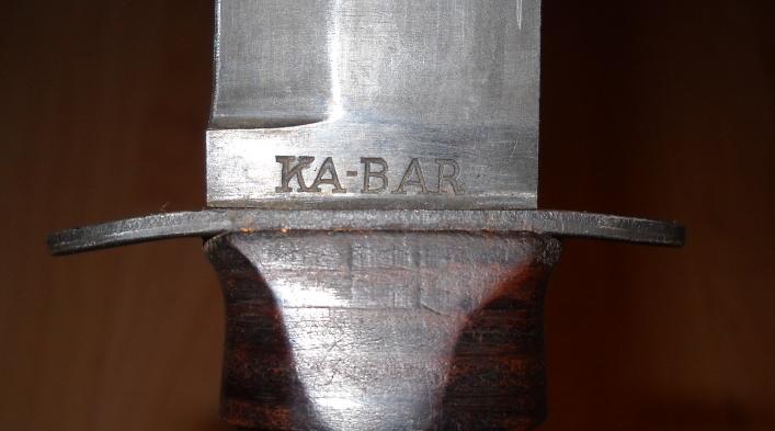 couteau USMC Comment diférencié un des année 1990 et un bon WW2. Dscn2525