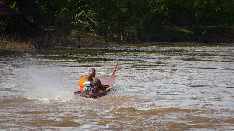 Regards croisés sur le Mékong... P1140910