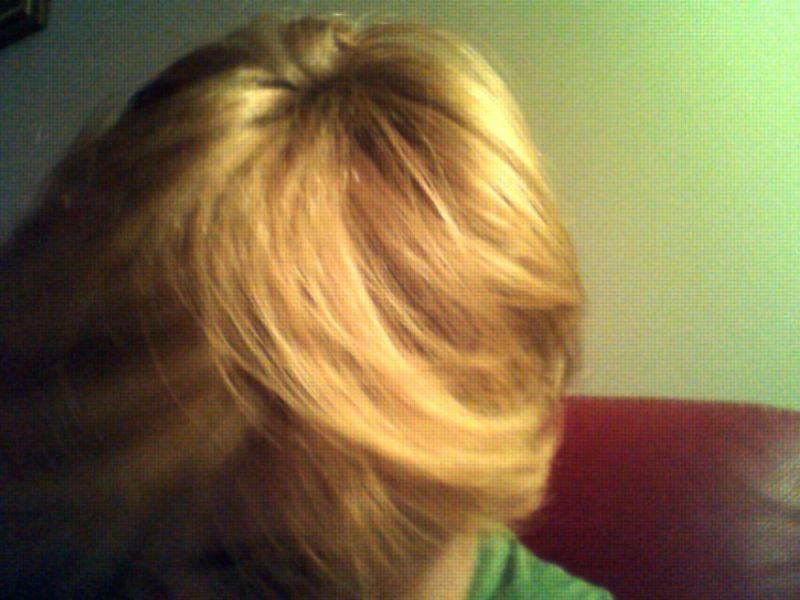 aidez moi j'ai les cheveux jaunes !  Webcam13