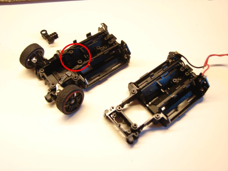 Differences chassis MR03 et MR03 VE Chassi10