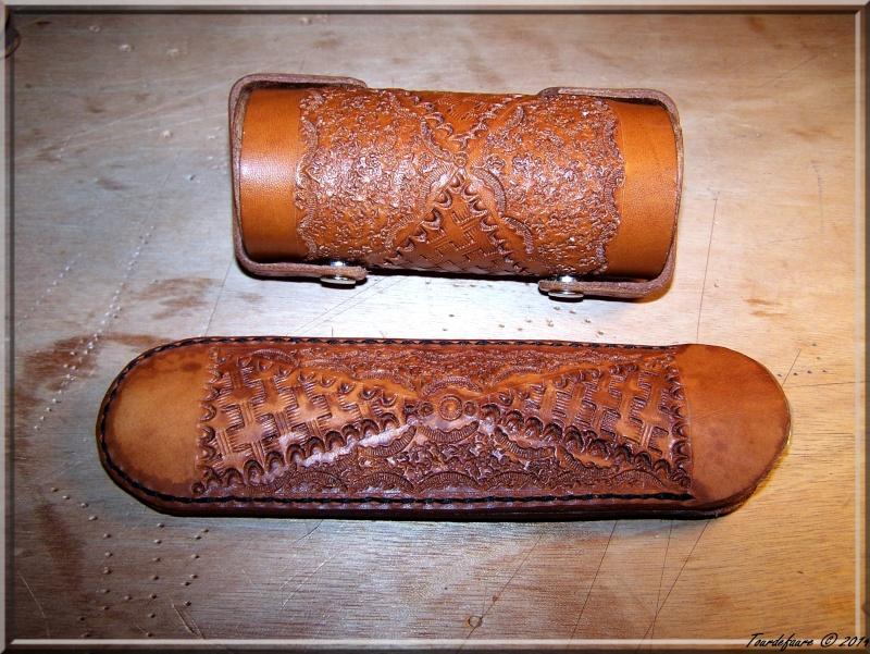 Accessoires en cuir pour le rasage - Page 2 Ensemb13