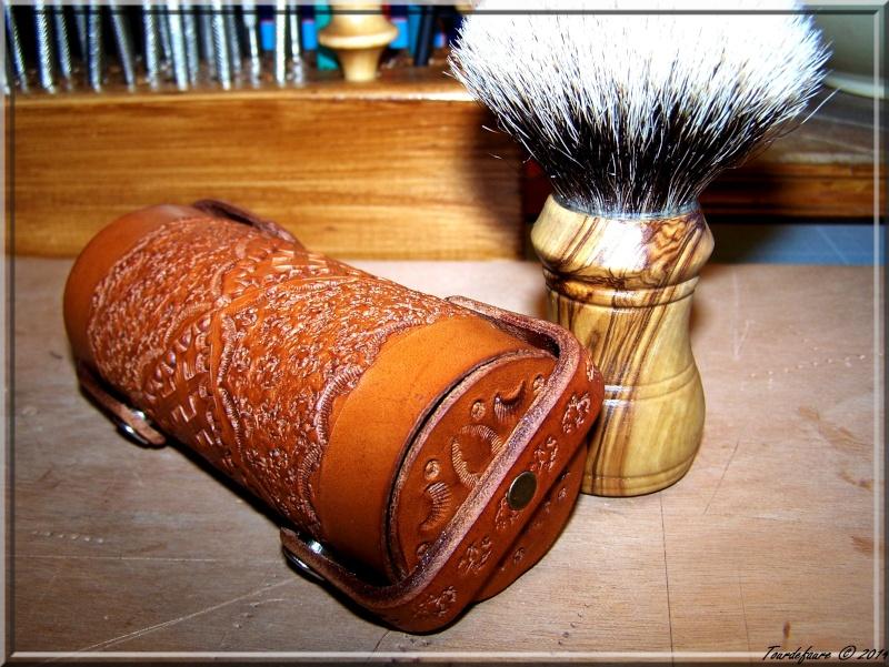 Accessoires en cuir pour le rasage - Page 2 Photo101