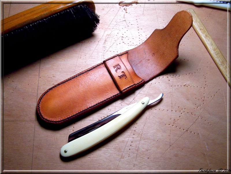 Accessoires en cuir pour le rasage - Page 2 Photo177