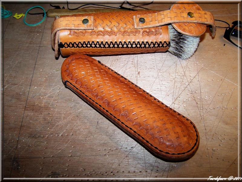 Accessoires en cuir pour le rasage - Page 2 Photo199
