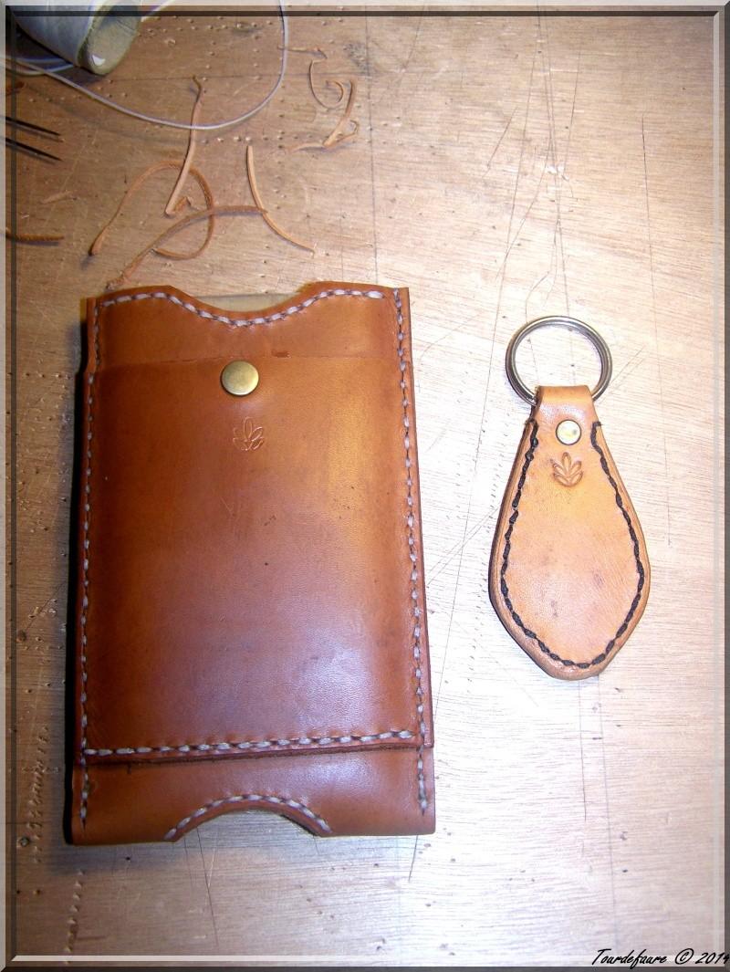 Accessoires en cuir pour le rasage - Page 2 Photo200