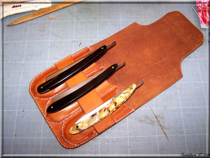 Accessoires en cuir pour le rasage - Page 2 Pochet19