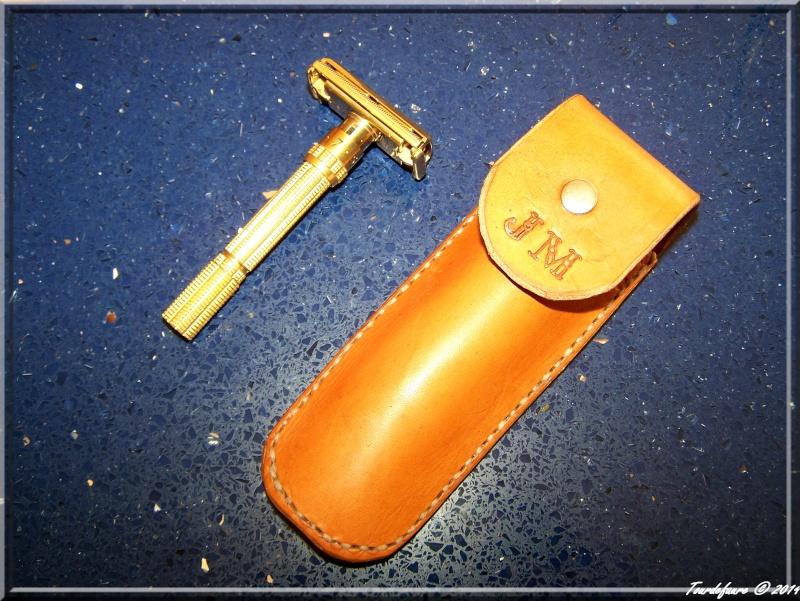 Accessoires en cuir pour le rasage - Page 2 Pochet21