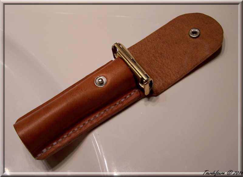 Accessoires en cuir pour le rasage - Page 2 Pochet25