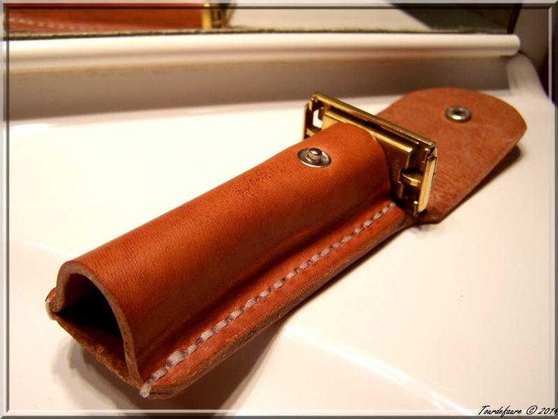 Accessoires en cuir pour le rasage - Page 2 Pochet26