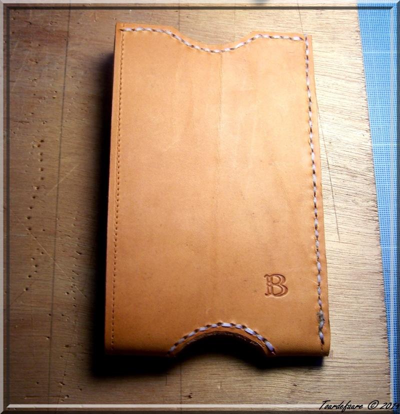 Accessoires en cuir pour le rasage - Page 2 Pochet32