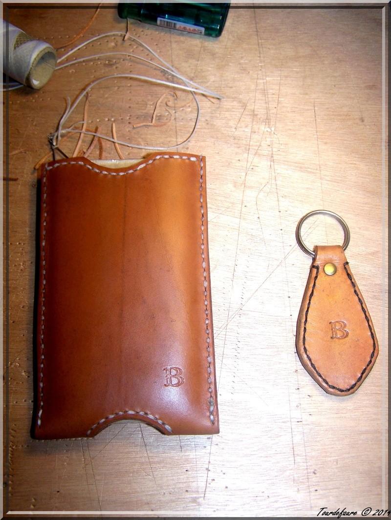 Accessoires en cuir pour le rasage - Page 2 Pochet34