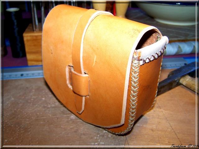Accessoires en cuir pour le rasage - Page 2 Pochet37