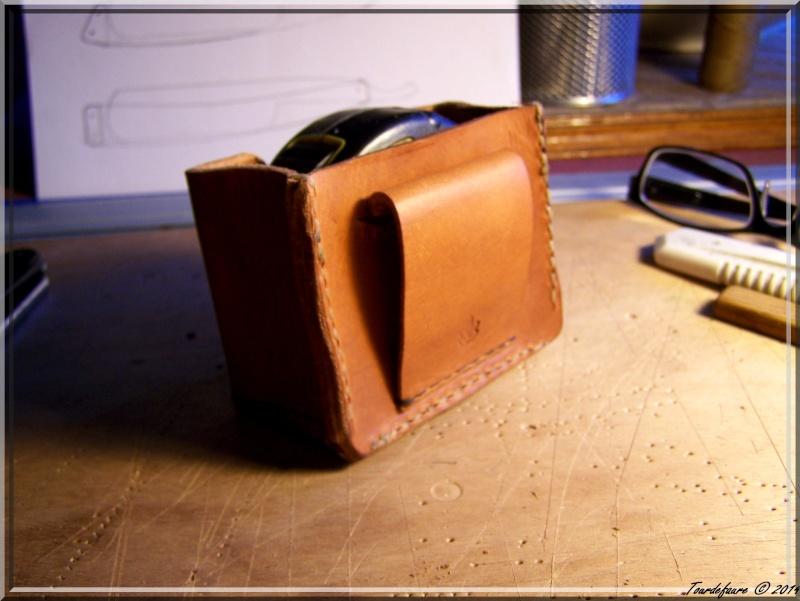 Accessoires en cuir pour le rasage - Page 2 Pochet48