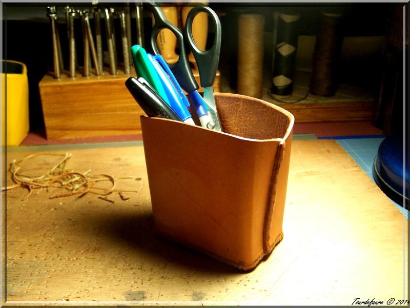 Accessoires en cuir pour le rasage - Page 2 Pot_a_10