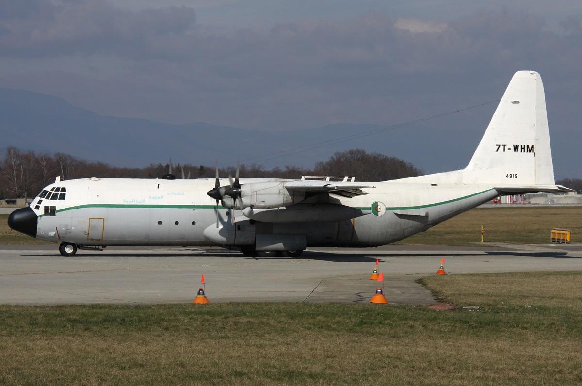 Crash Hercule C-130 7T-WHM 7t-whm10
