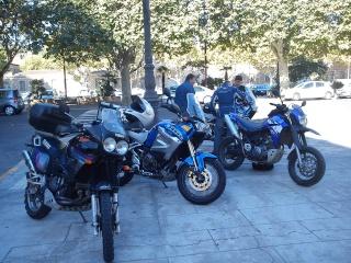 Vos plus belles photos de moto - Page 37 Dsc03010