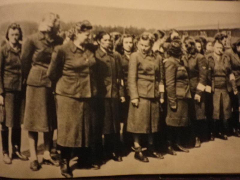 Les femmes dans la SS Imgp4713