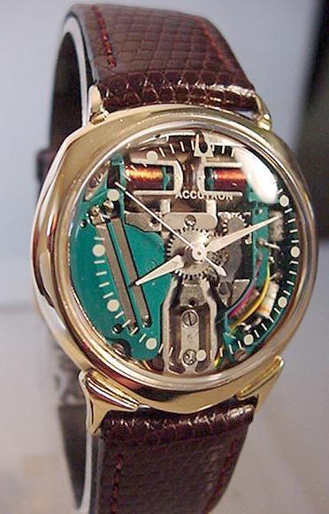 Bulova Accutron II Identi10