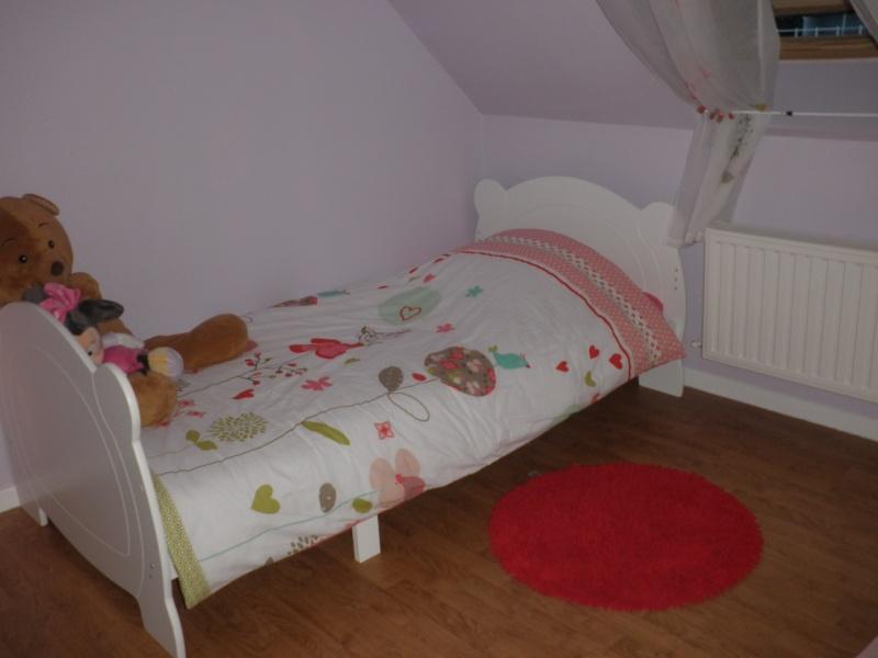 chambre fille nouvelles infos et photos P3 - Page 2 Pa057410