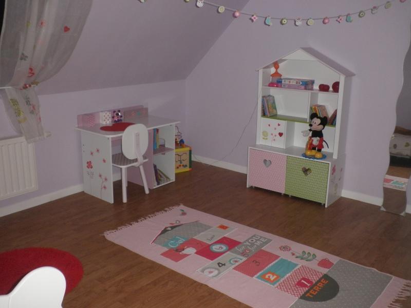 chambre fille nouvelles infos et photos P3 - Page 2 Pa057412
