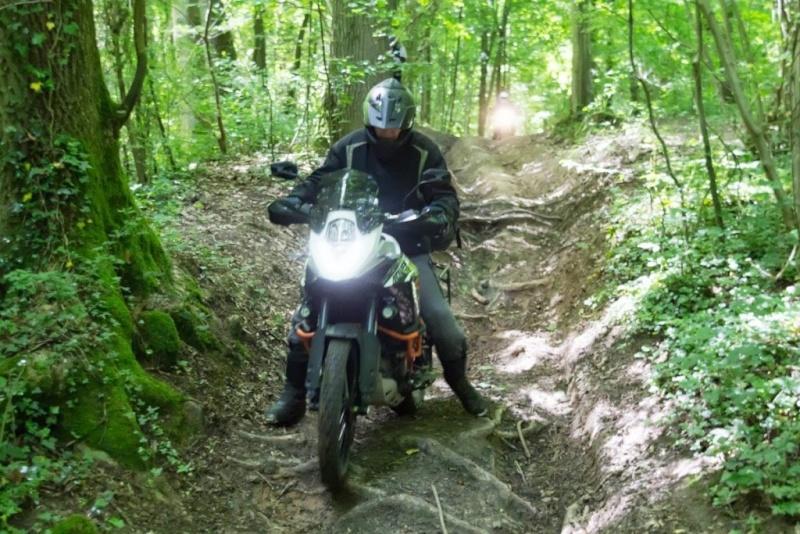 Le sujet des motards :) - Page 6 21911