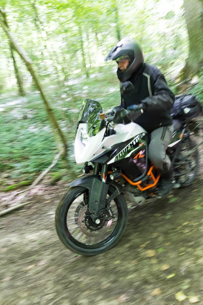 Le sujet des motards :) - Page 6 51210