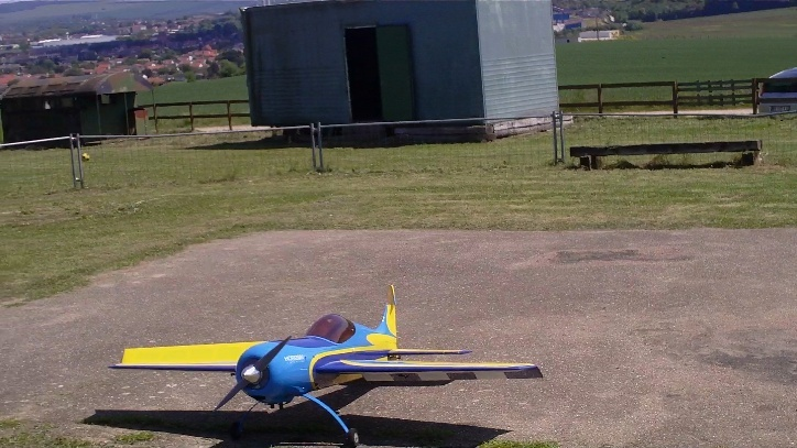 Inverza 33 Hangar 9 2014-042
