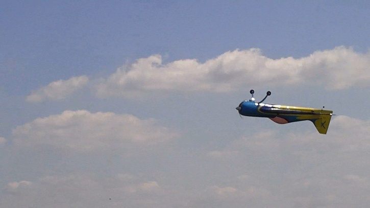 Inverza 33 Hangar 9 2014-044