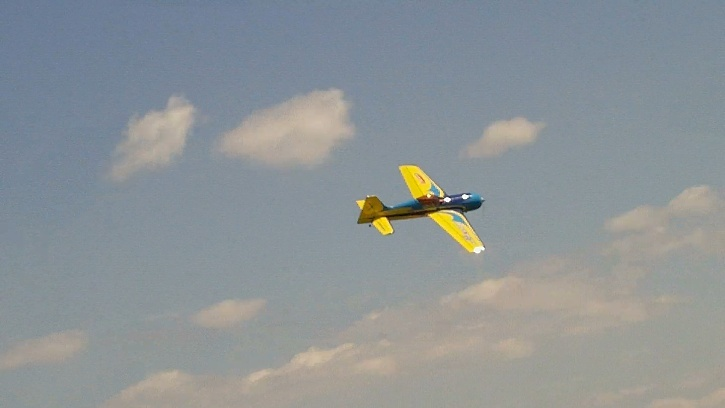 Inverza 33 Hangar 9 2014-045