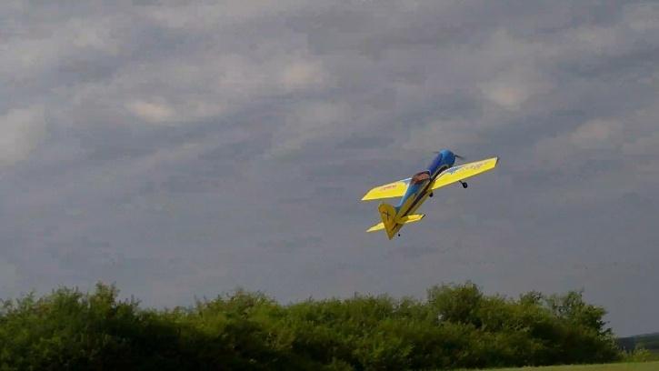 Inverza 33 Hangar 9 2014-047