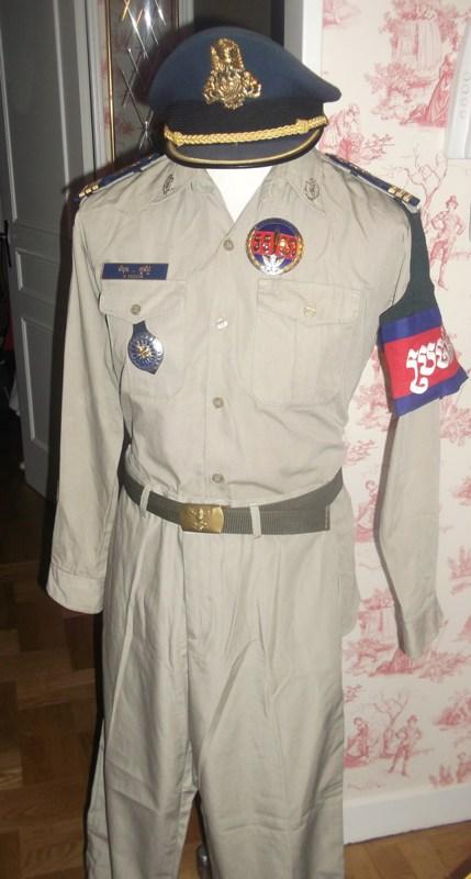 uniformes cambodgiens  Dscf0314