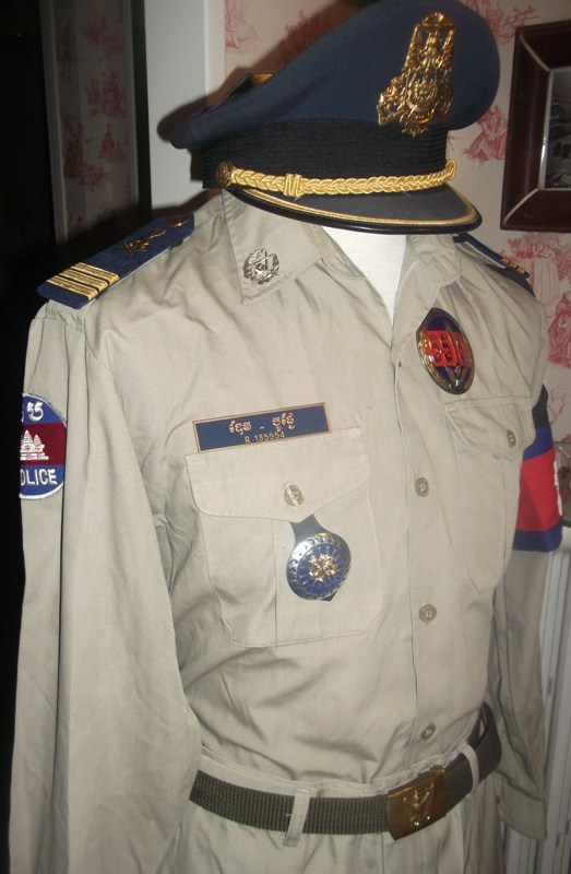 uniformes cambodgiens  Dscf0315