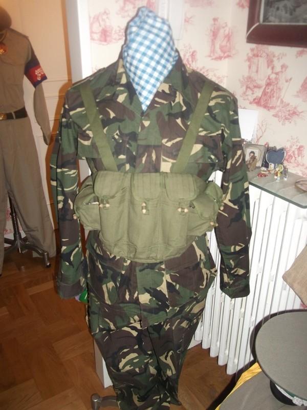 uniformes cambodgiens  Dscf0410