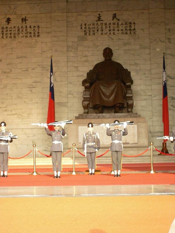 uniformes cambodgiens  Sany2711