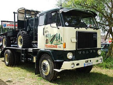 Sur la Locomotion 2012 en fête de (Hayes69) Volvo_11