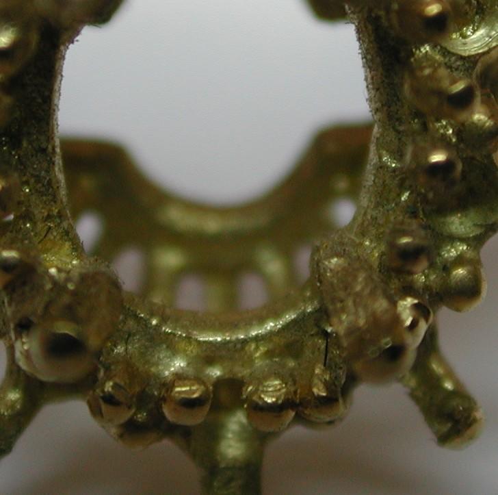 Comment faire pour reconnaître un bijou en fonte d'un bijou fait main ? Dscn2912