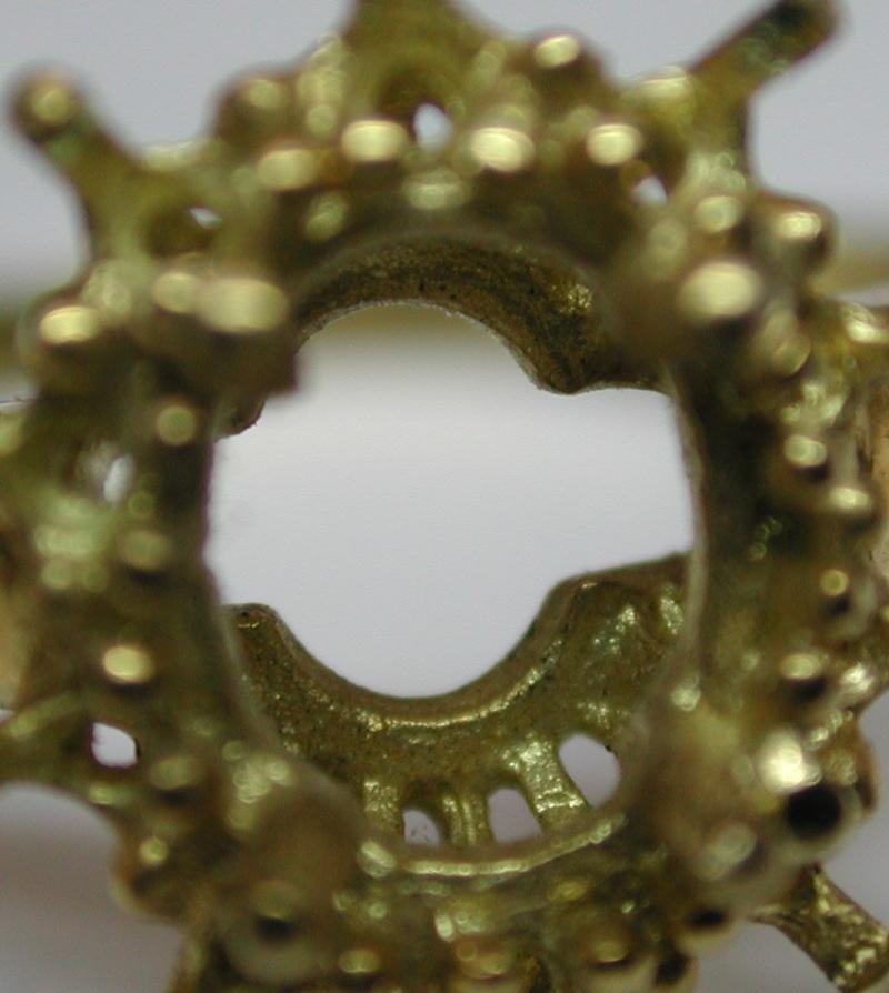 Comment faire pour reconnaître un bijou en fonte d'un bijou fait main ? Dscn2914