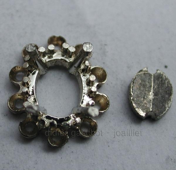 Comment faire pour reconnaître un bijou en fonte d'un bijou fait main ? Dscn3016