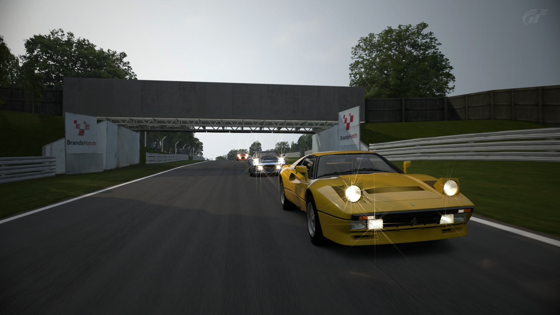 Crónica del Ferrari GTO en Brands Hatch Brands27