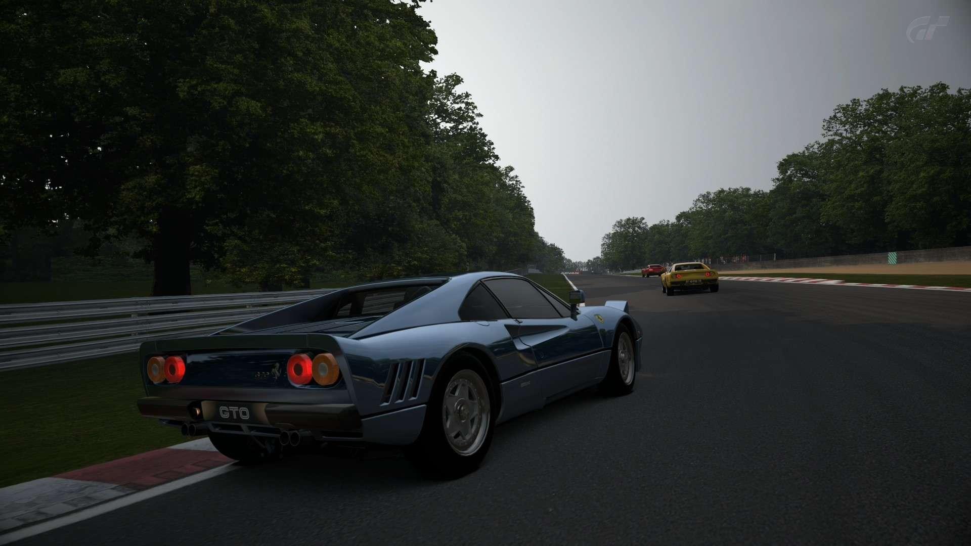 Crónica del Ferrari GTO en Brands Hatch Brands28