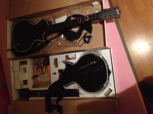 vendo guitarras hero para ps3  Img_5212
