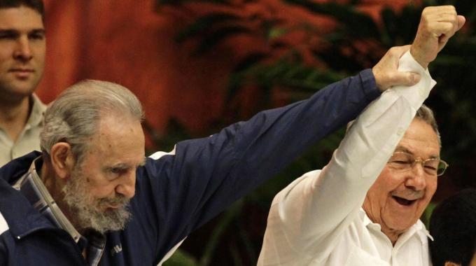 Obama vuole rivedere l'embargo a Cuba 24451610