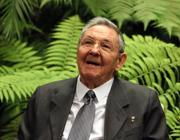 Raul Castro annuncia la fine della doppia moneta Est04f10